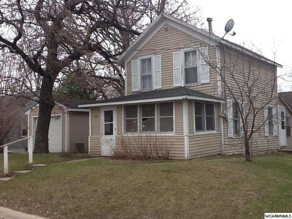 104 Central Ave E, New London, MN 56273