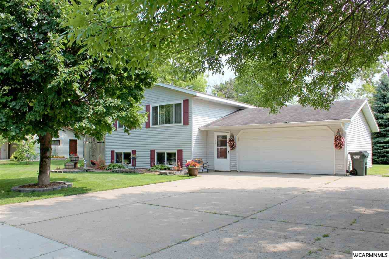 709 26th Ave SW, Willmar, MN 56201