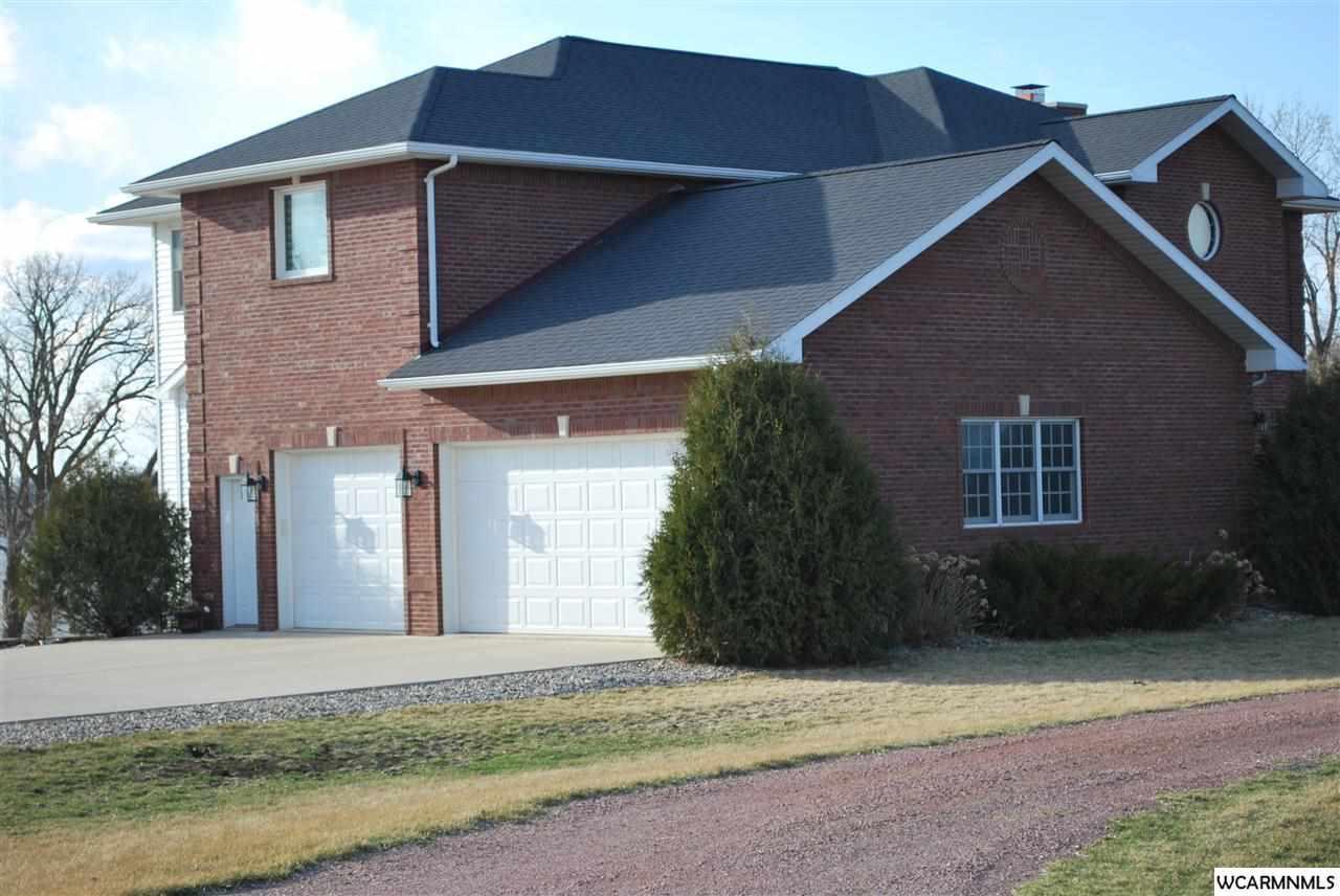 1631 Charlotte Oak Dr, Fairmont, MN 56031