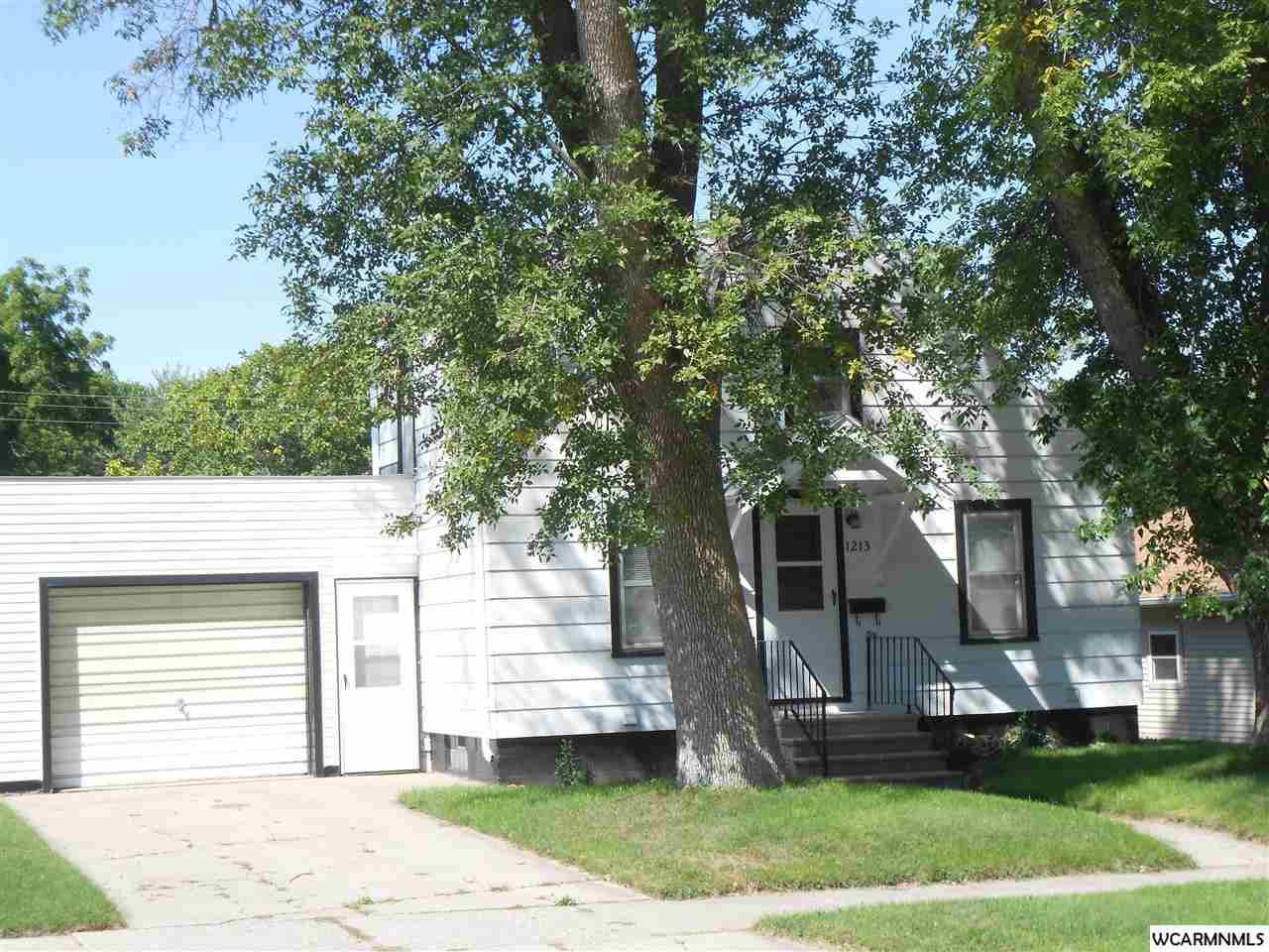 1213 N Prairie Ave, Fairmont, MN 56031