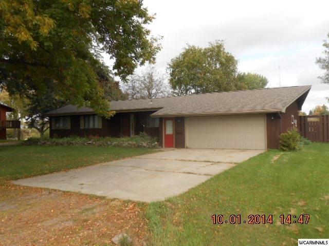 721 Des Moines Drive Windom, MN 56101