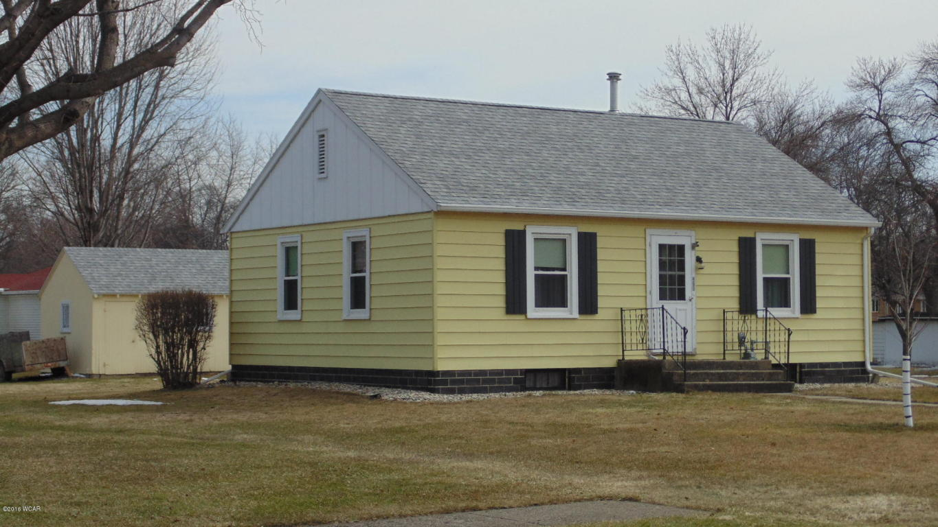 226 N 2nd Ave E, Truman, MN 56088