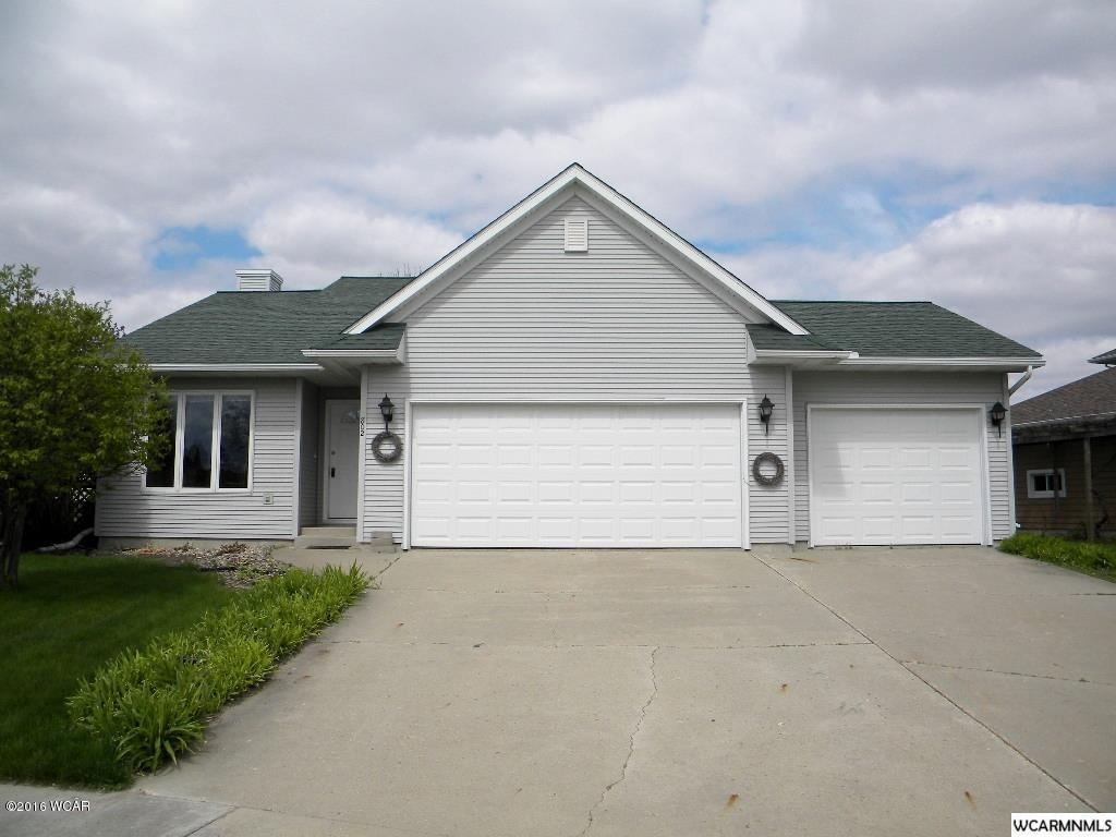 Photo of 802 Lawrence Court  Marshall  MN