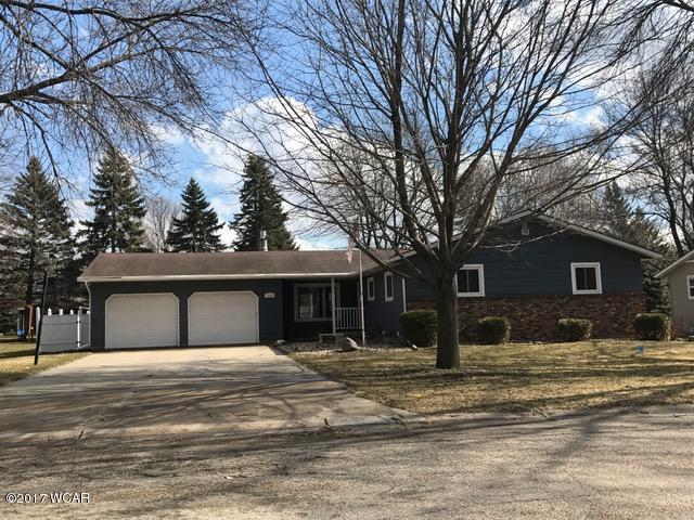 1319 17th St SW, Willmar, MN 56201