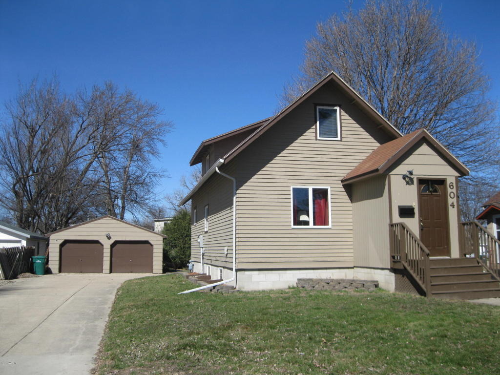 Photo of 604 Kendall Street  Marshall  MN