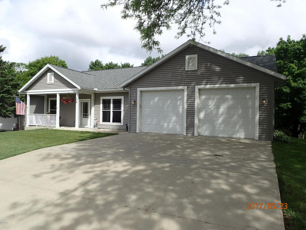 Photo of 134 W Interlaken Road  Fairmont  MN