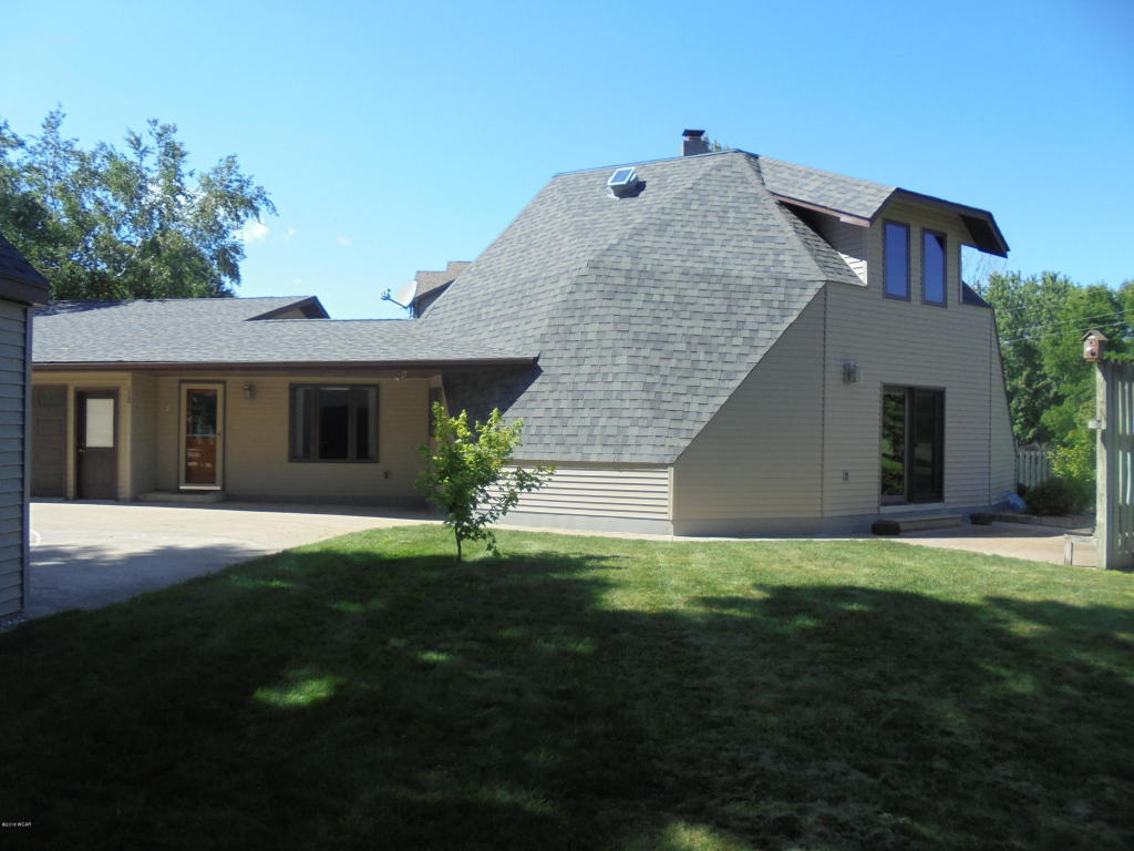 120 Golf Course Drive Armstrong, IA 50514
