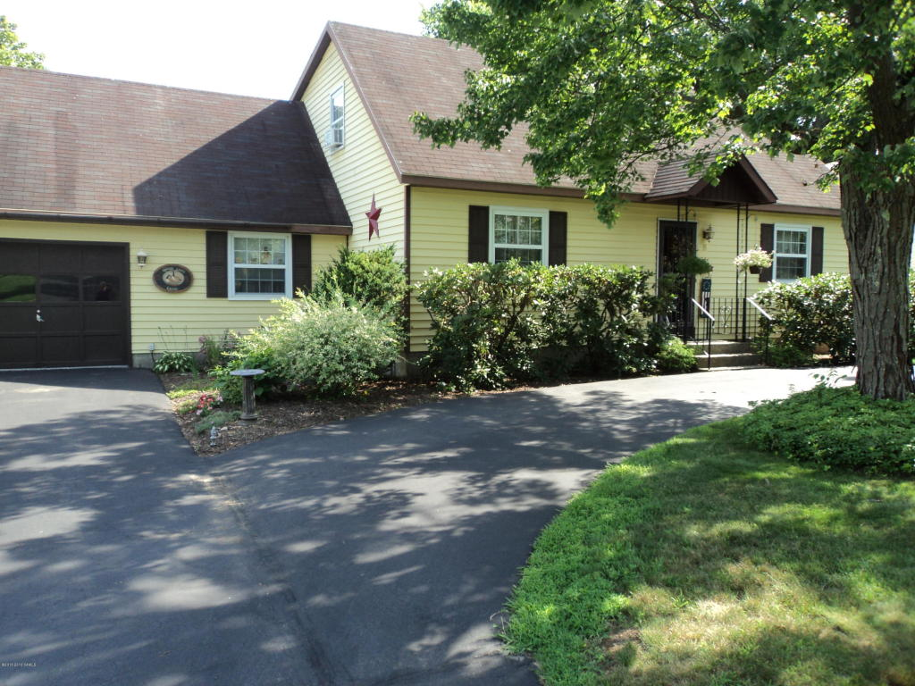 Photo of 8 Colonial Court  Queensbury  NY