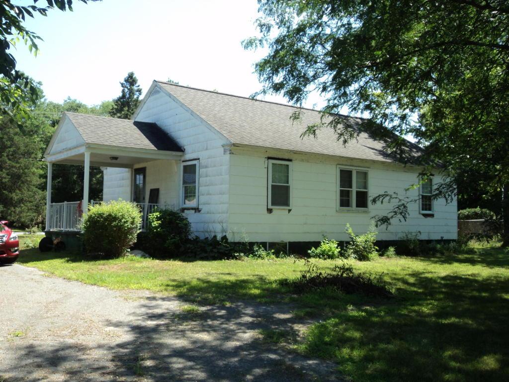 597 Gansevoort Rd, South Glens Falls, NY 12803