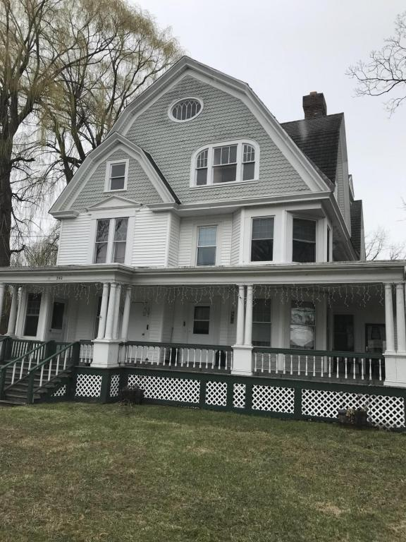 buddhist singles in hudson falls Contact 14 hudson today $2090 2br - 1400ft 2 - (glens falls, ny) pic map hide this posting restore restore this posting $2090 favorite this post oct 1 modern living in the heart of downtown glens falls $2090 2br - 1400ft 2 - (glens falls, ny) pic map hide this posting restore restore this posting.