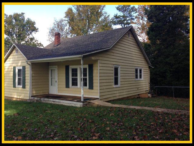 130 Osborne St, Jonesville, NC 28642