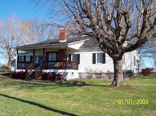 1316 Dezern Rd, Hamptonville, NC 27020