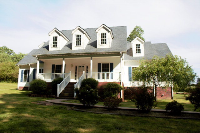 151 Robertson Dr, Taylorsville, NC 28681