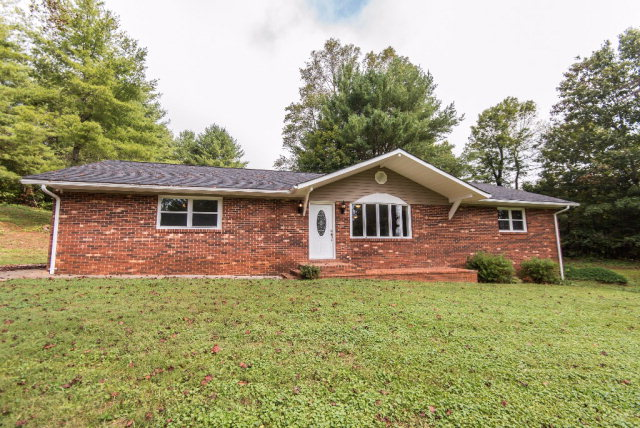 Photo of 11346 Boone Trail  Purlear  NC