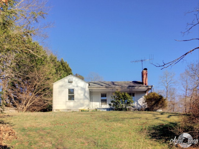 Photo of 123 Hollygreen Dr  Millers Creek  NC