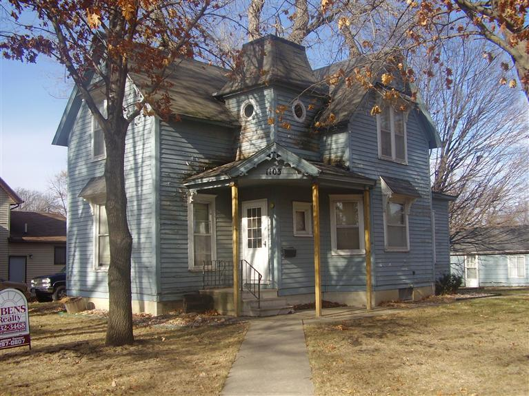 1103 1st St, Webster City, IA 50595