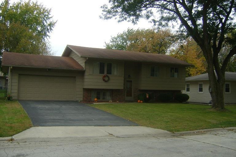 108 Parkview Dr, Webster City, IA 50595