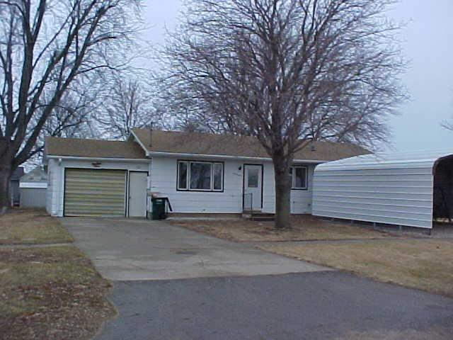 107 2nd St, Danbury, IA 51019