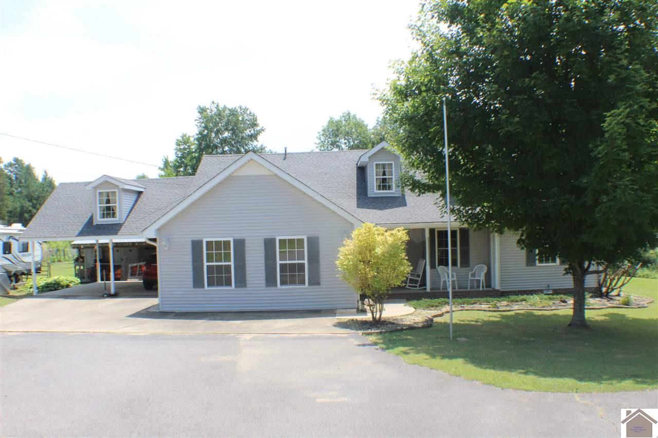 One of Benton 3 Bedroom Homes for Sale at 222 Crooked Oak Loop