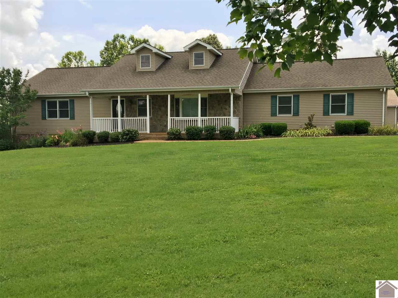 2215 Oak Level Rd, one of homes for sale in Benton