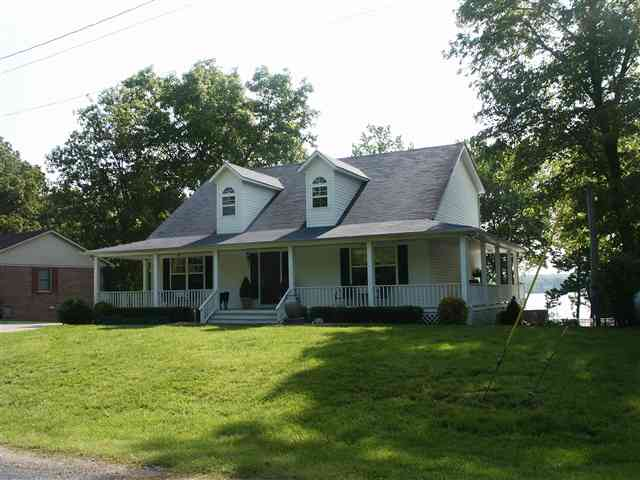 16 Gill Ln, Murray, KY 42071