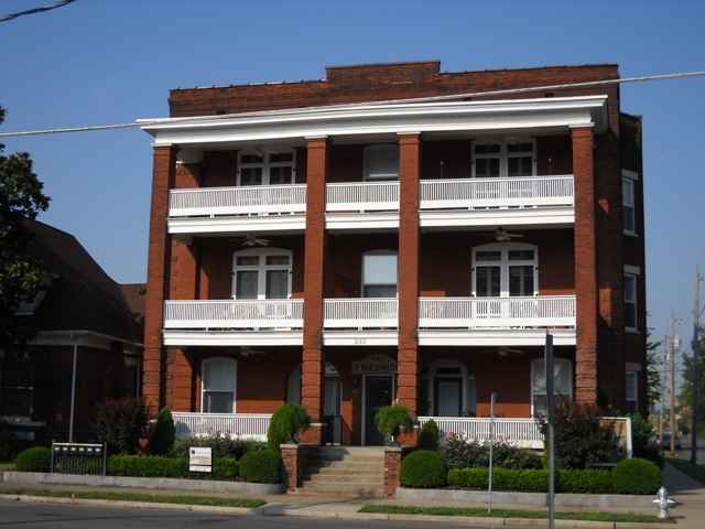 233 N 6th # 306, Paducah, KY 42001