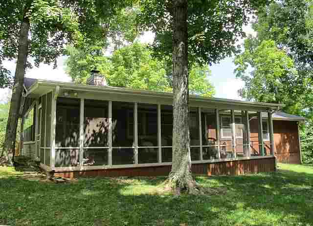 1557 Indian Hills Trl, Eddyville, KY 42038
