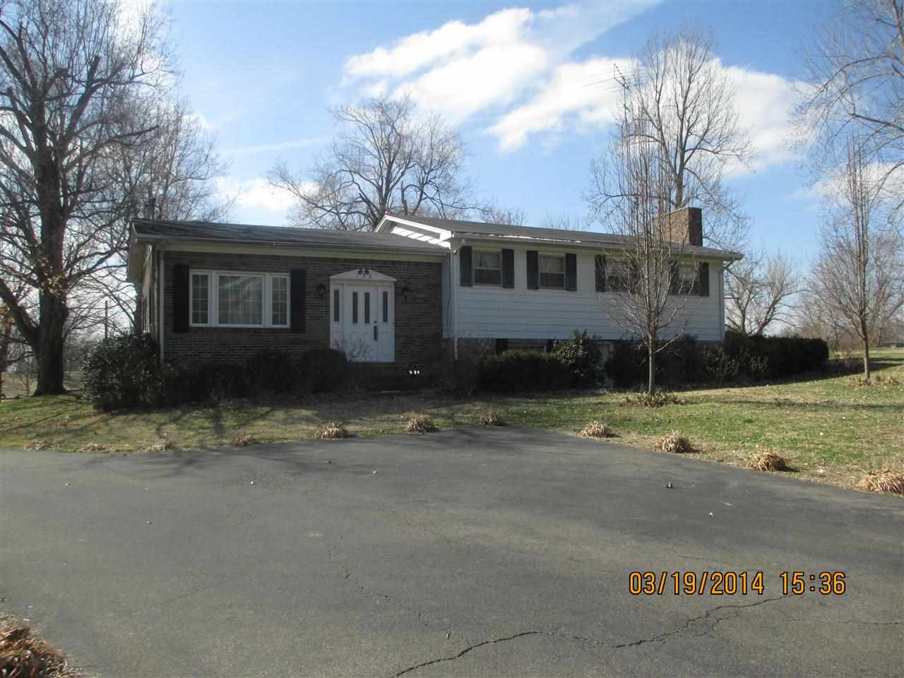 9.5 acres in Mayfield, Kentucky