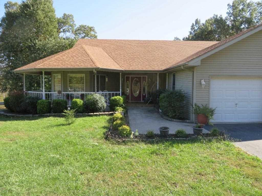 447 Woodfield Estates Dr, Cadiz, KY 42211