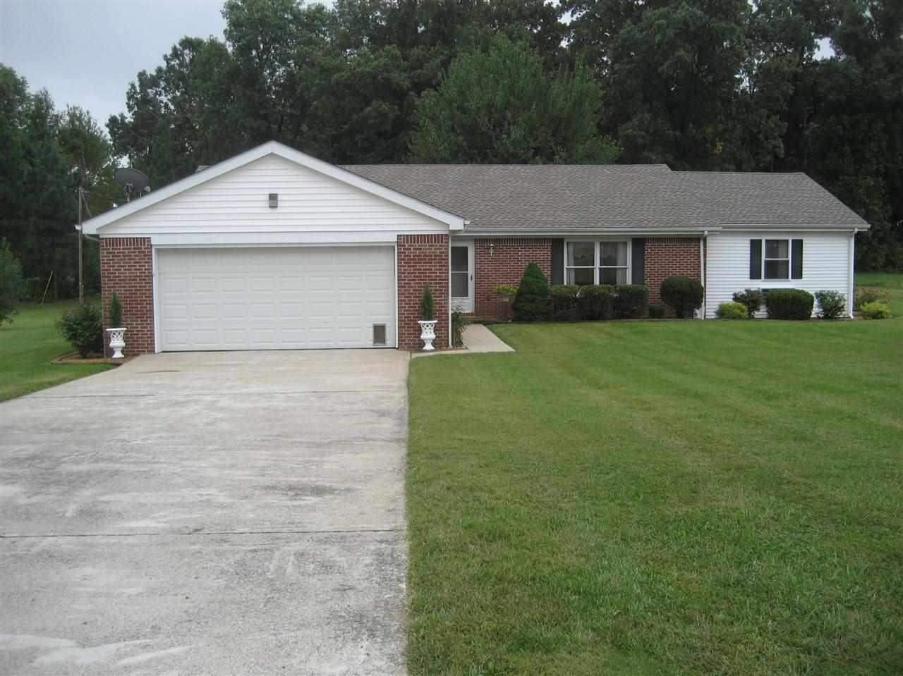 171 King Dr, Murray, KY 42071
