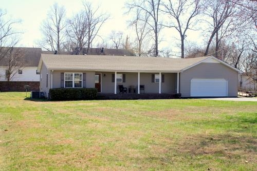 187 Oakwood Cir, Murray, KY 42071