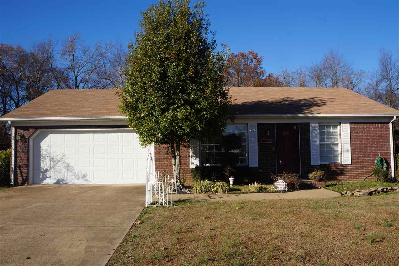 38 Cambridge Dr, Murray, KY 42071