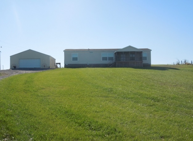 665 State Route 1077, Marion, KY 42064
