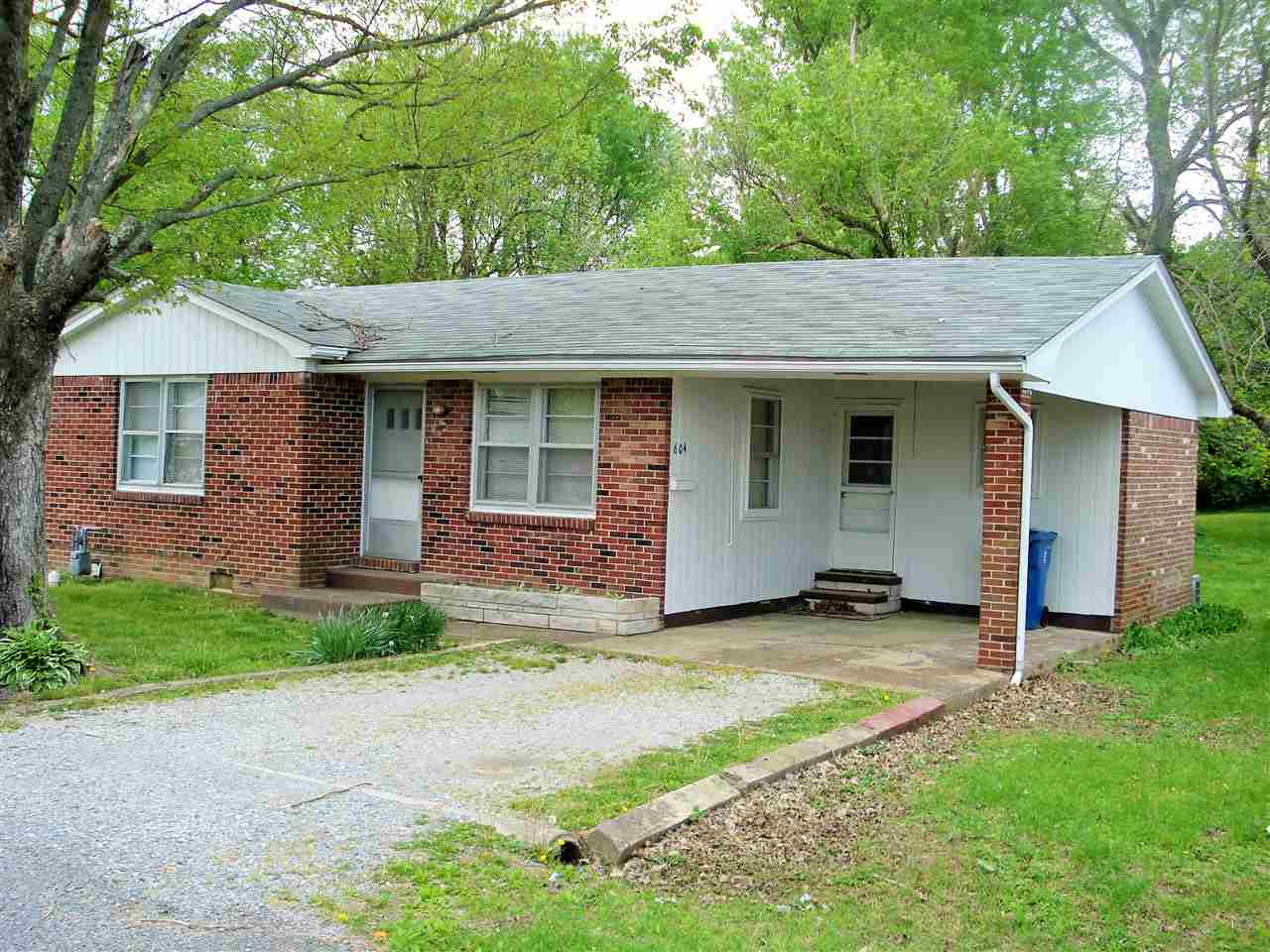 Photo of 604 Maple Street  Benton  KY