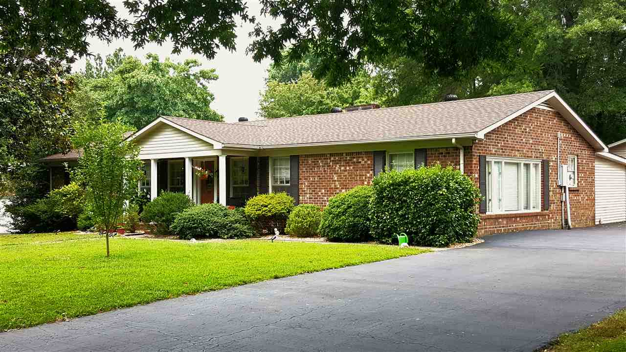 1528 Oxford Dr, Murray, KY 42071