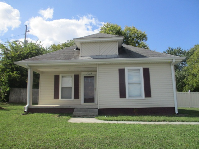 Photo of 1015 Main St  N  Hopkinsville  KY