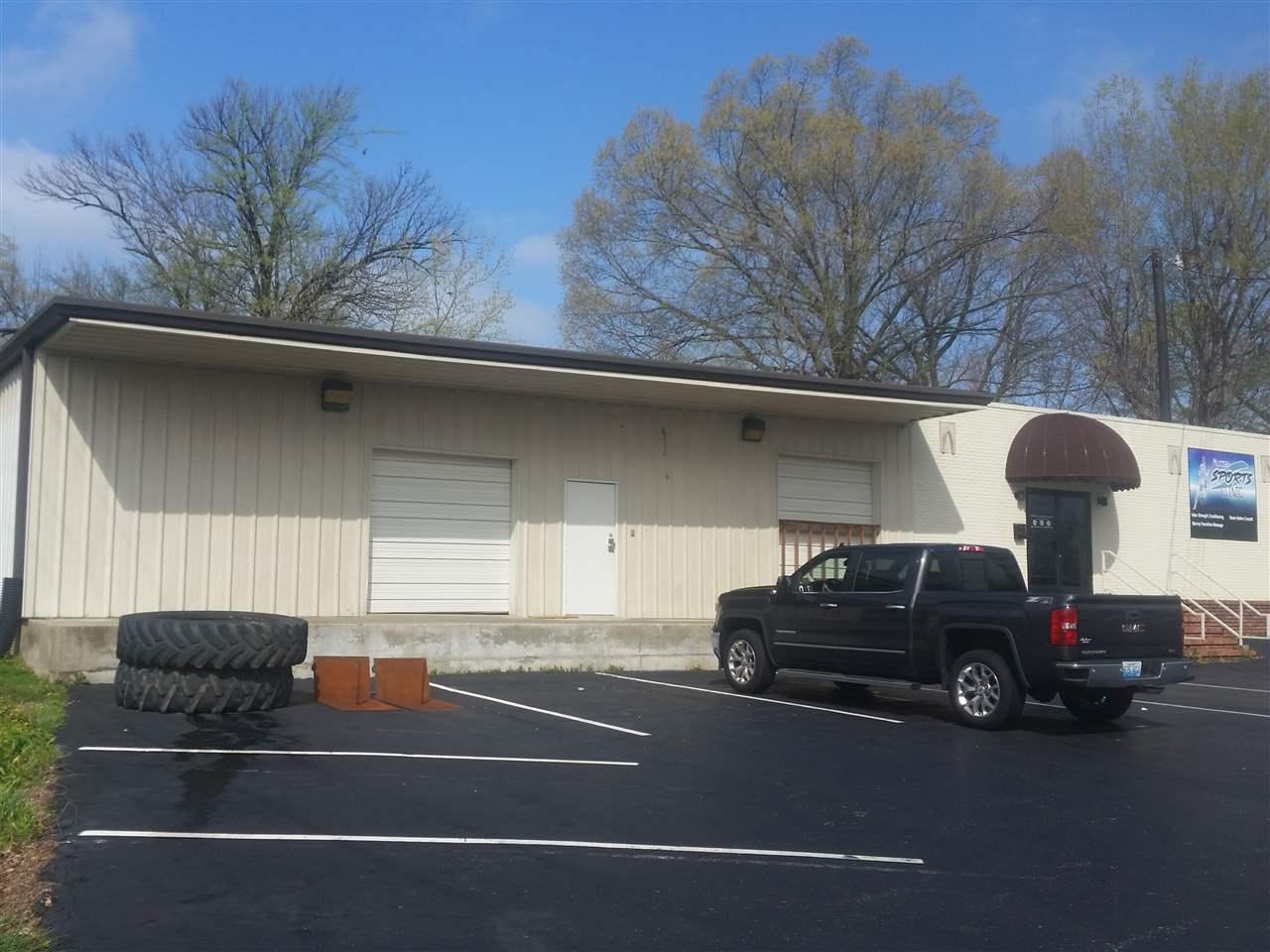 411 N 4th St, Murray, KY 42071