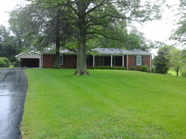 Photo of 140 Country  Club Drive  Marion  KY