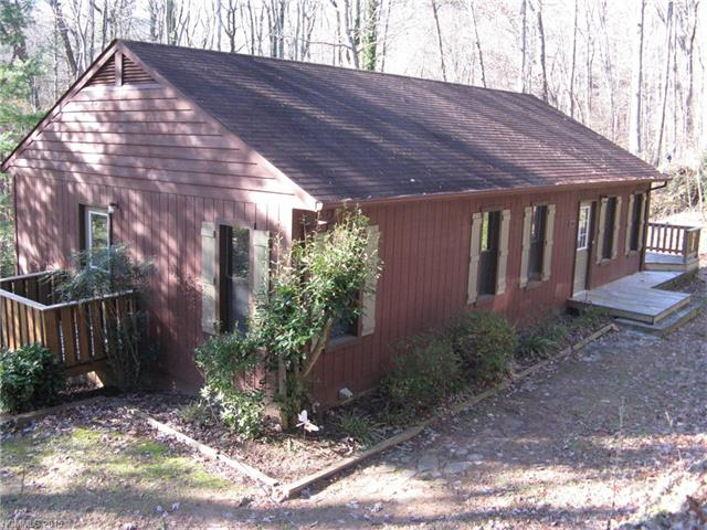 595 Vineyard Rd, Tryon, NC 28782