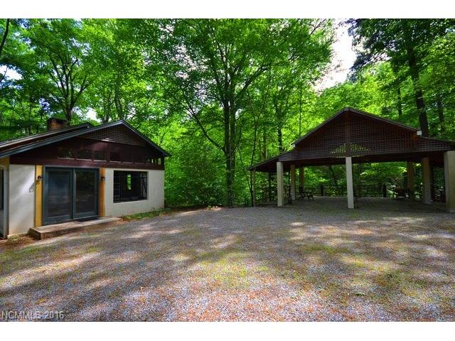 1152 Warrior Dr, Tryon, NC 28782