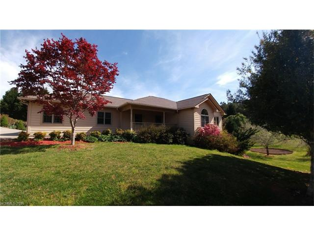 481 Winesap Rd, Lake Lure, NC 28746
