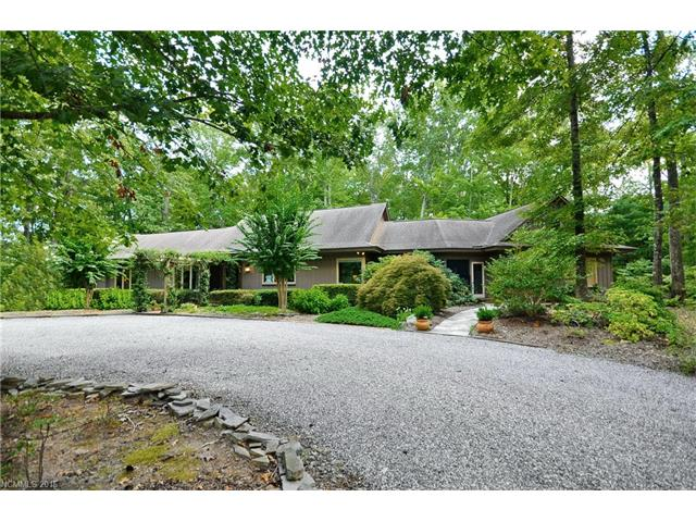 350 White Fence Ln, Mill Spring, NC 28756