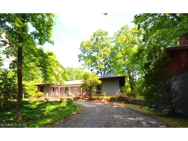 528 Wilderness Rd, Tryon, NC 28782