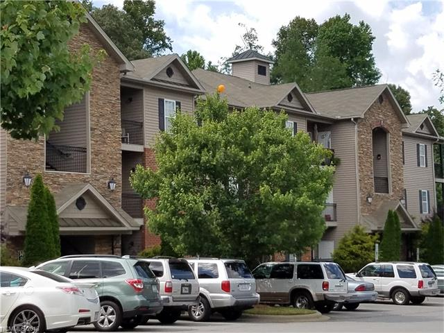 Photo of 228 Appeldoorn Circle  Asheville  NC