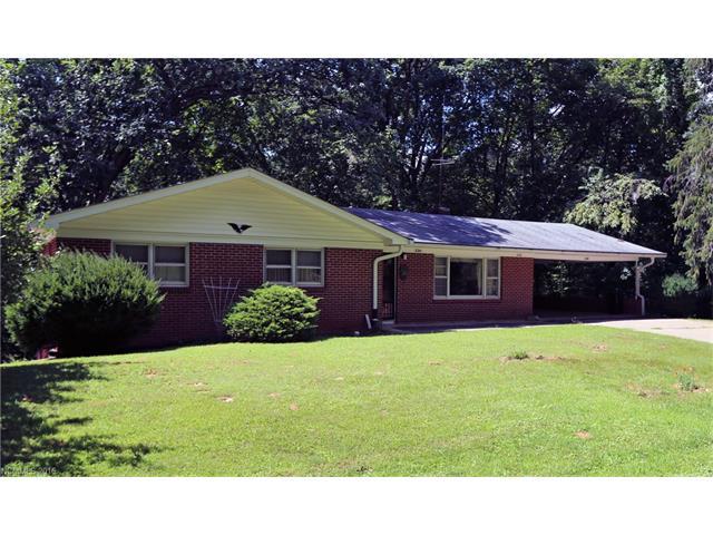 226 Thomas Park Dr, Waynesville, NC 28786
