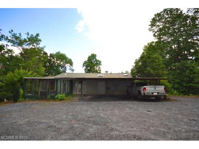 250 Burt Blackwell Rd, Mill Spring, NC 28756
