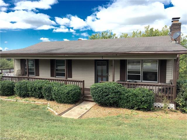 56 Moss Rd, Weaverville, NC 28787