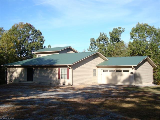 251 Holbert Cabin Ln, Tryon, NC 28782