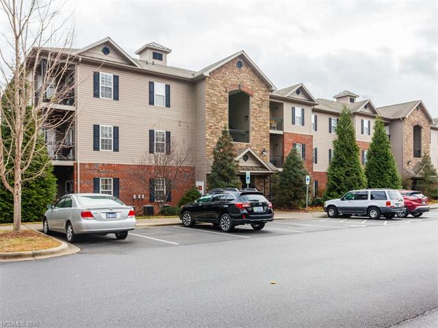Photo of 724 Appeldoorn Circle  Asheville  NC