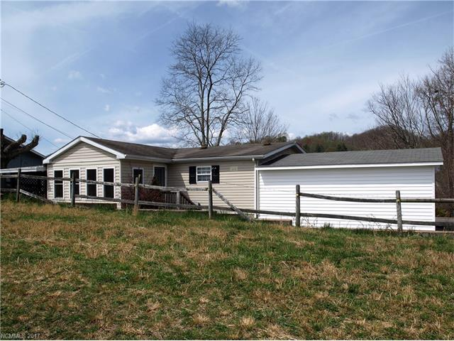 Photo of 32 Meg Pie Lane  Waynesville  NC
